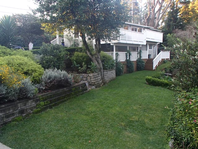 Gated private home near Muir Woods - Mill Valley - Hus