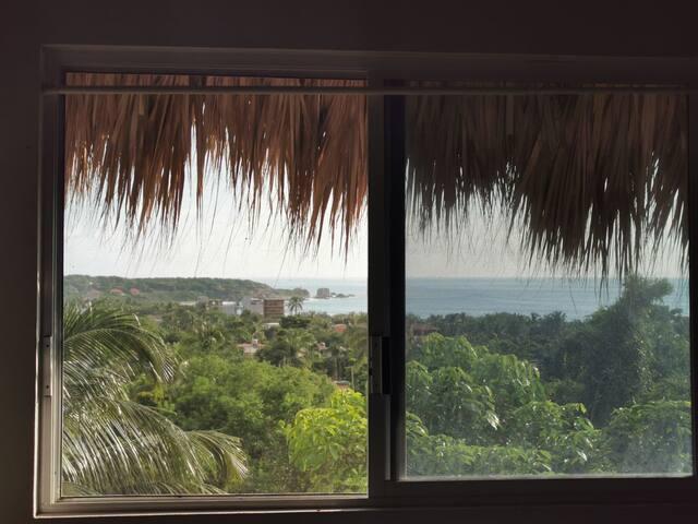 La mejor vista de la Punta, surf shack ...