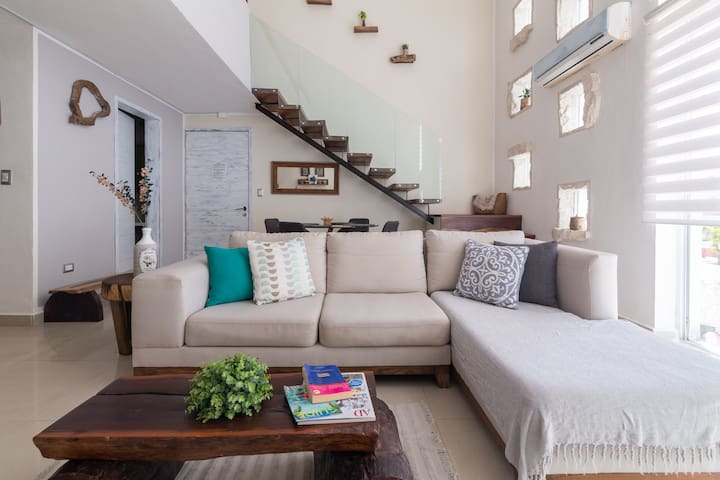 Amazing and Luxury Penthouse 1 min. To the beach