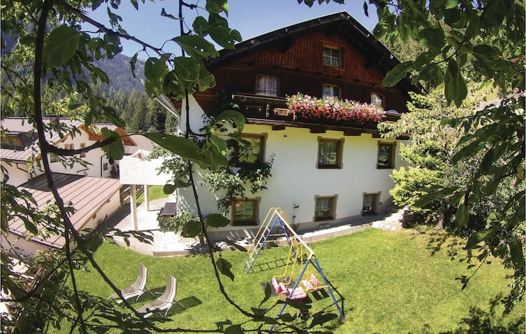 Holiday cottage with 4 bedrooms on 120m² in St. Leonhard