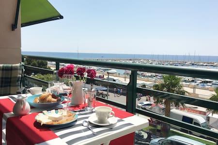 Meilleur Vue sur Mer + 3 Terrasses + WIFI + AC