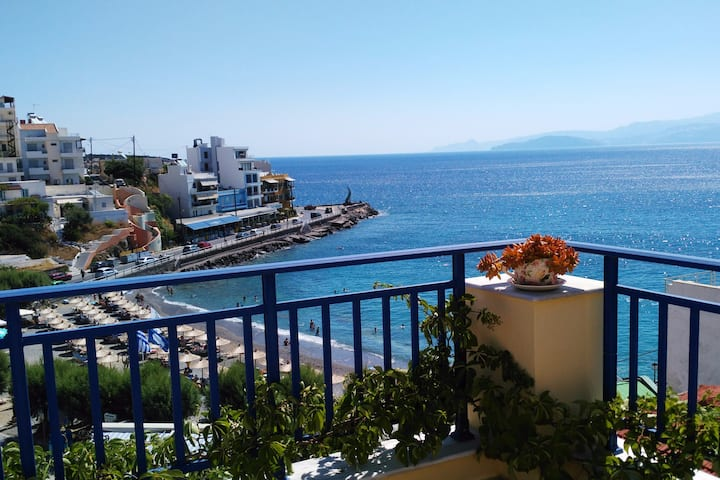 Great View Cozy Rooms-Kitchenette, 50m to Beach!