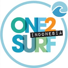Mina @ One2 Surf Indonesia is the host.