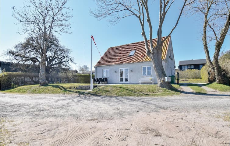 Holiday cottage with 4 bedrooms on 125m² in Hesselager