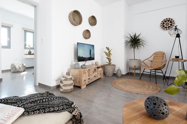 Pnoi Luxury Suites One Bedroom Apartment