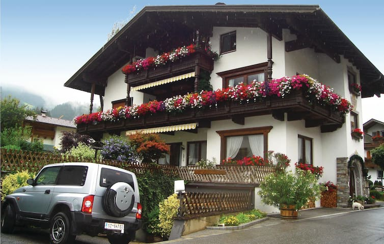 Holiday apartment with 1 bedroom on 56 m² in Aschau im Zillertal