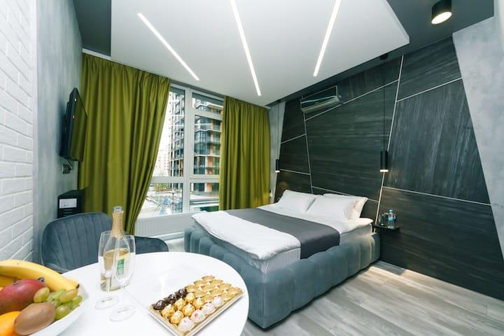 Luxury Studio with Spabath & Fireplace