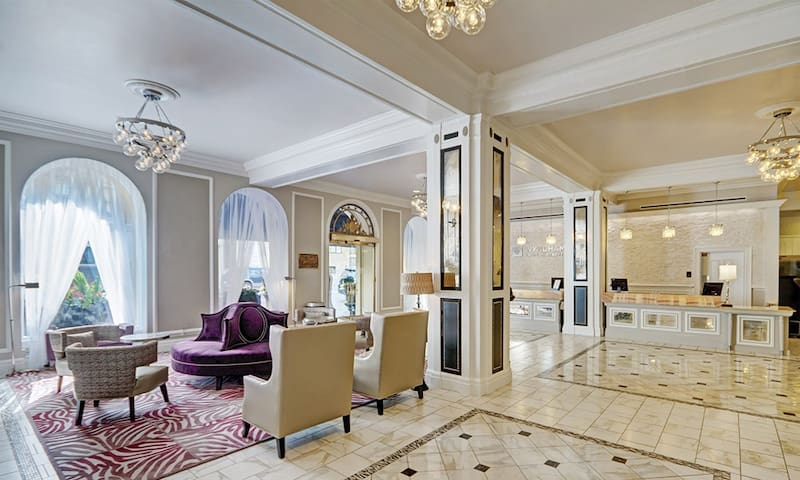 Wyndham Canterbury SFO 3 bdrm Presidential Suite