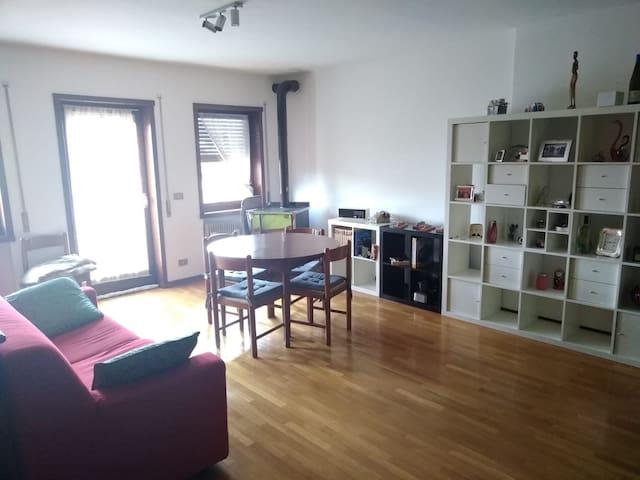 Centralissimo e comodissimo appartamento - Roana