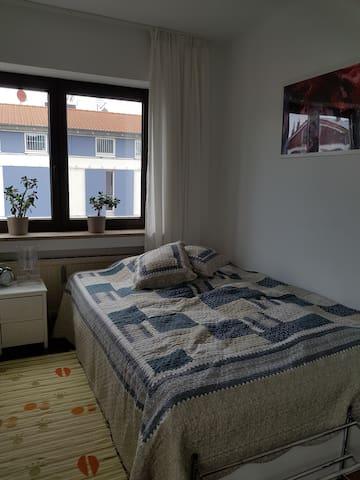 Zimmer für DLR Student/in/Wochenendheimfahrer/in