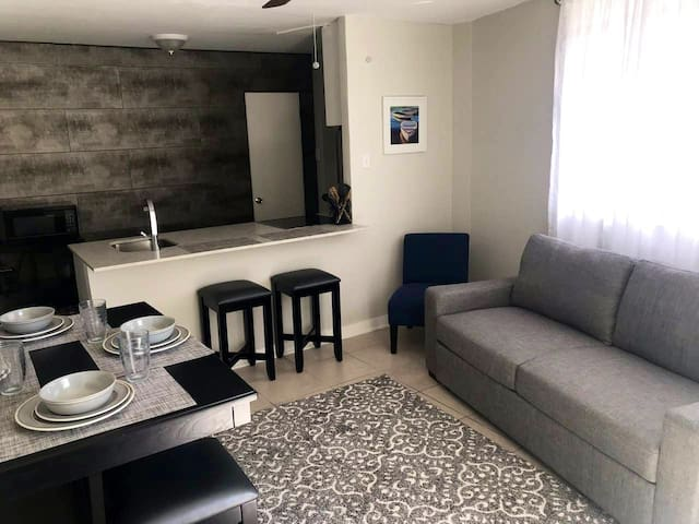 Oasis in Upscale Area of PR • 1BD • 3BDS • 5 ppl