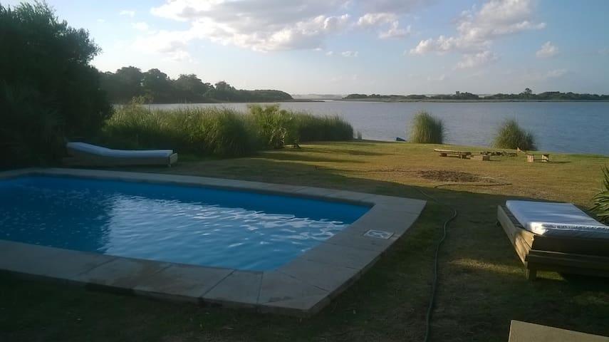 Casa sobre  Laguna de Jose Ignacio - Punta del Este - Casa