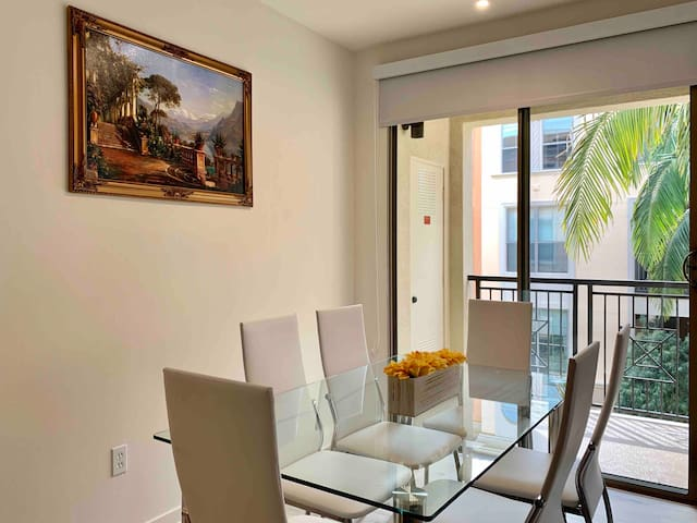 *MAJOR DISCOUNT* 2B2B GRAND Irvine Apartment - 中文