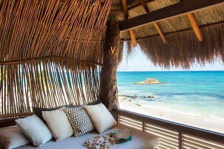 Beachfront room w Terrace / Amansala 75 % discount