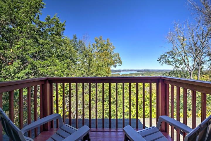 Douglas Lake-View Cabin w/Hot Tub & L-Shaped Porch