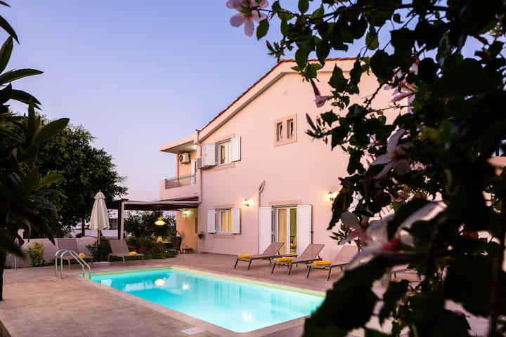 Carpe Diem-Luxury Villa with private pool