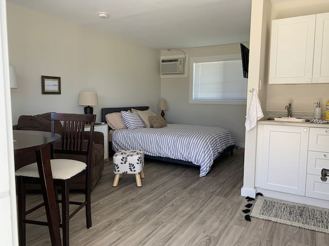 Clean and Fresh Suite #4 at Rankin Rentals