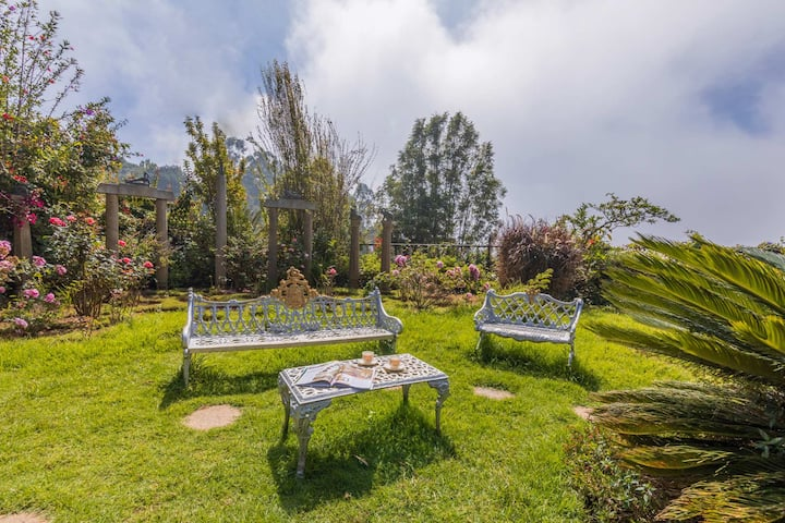 2 rooms @Alpinia Villa in Coonoor with breakfast