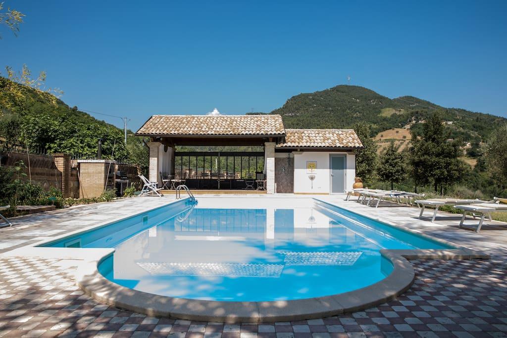 Ampio appartamento in villa con parco e piscina houses - Piscina montorio al vomano ...