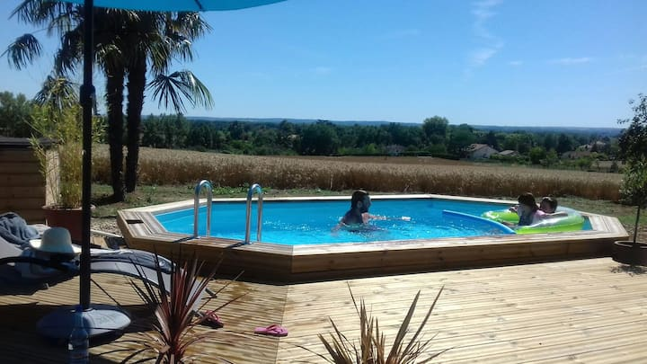Spacious & Cosy Gîte, swimming pool
