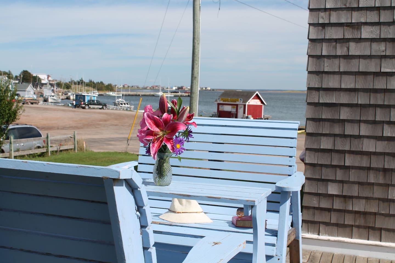 Sunrise House - Waterfront designer home