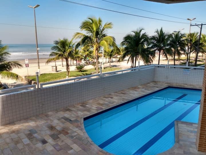 Apartamento na Praia Grande de frente ao mar