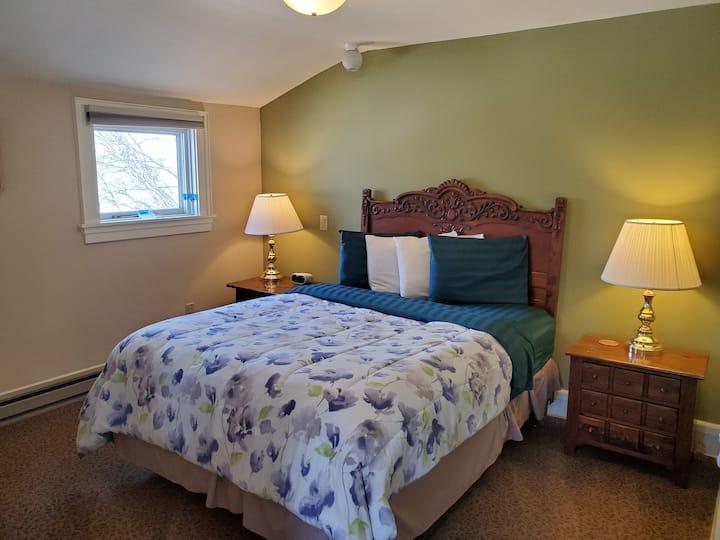 Mendota Lake House - James Baldwin Room