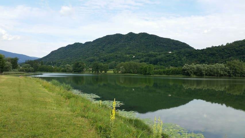 A 2 passi dai laghi