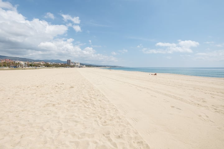 40 km from Barcelona . See views