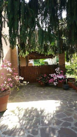 GIARDINO SU ROMA - Monte Porzio Catone