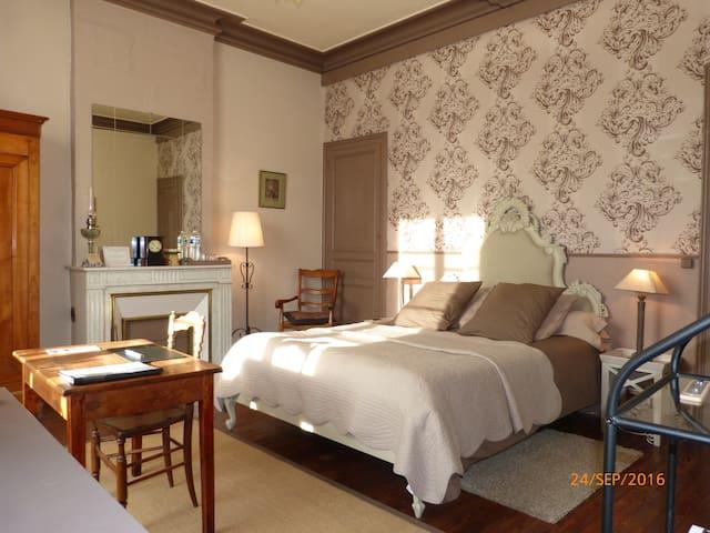 """BnB en Dordogne """"Café crème"""" - La Roche-Chalais - Bed & Breakfast"""