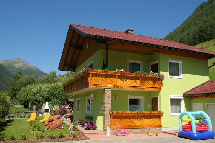 Newly furnished appartment at the mouth of the Poller Valley National Park.