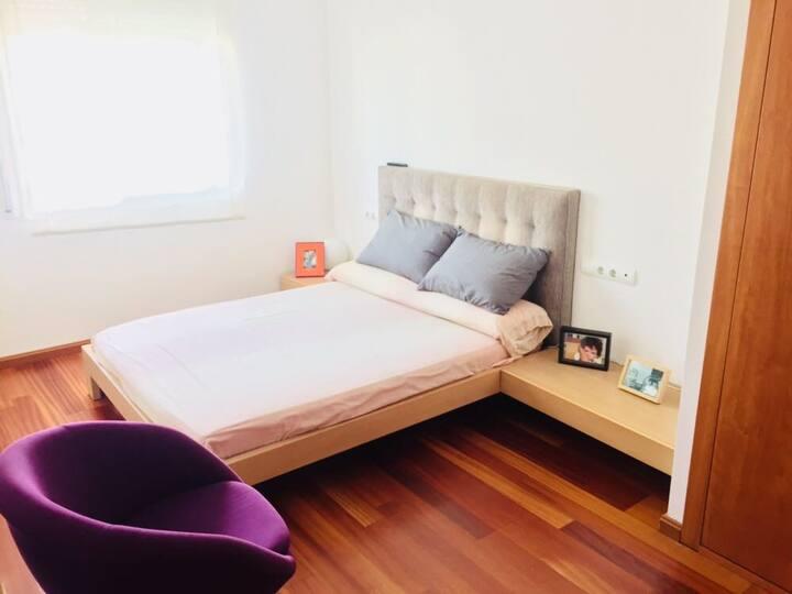 Suite en Sitges, con baño propio.