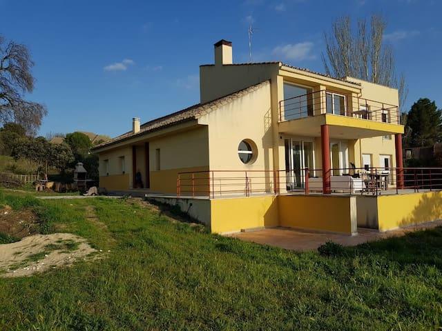 """Habitaciones El Bosque  """"Campo y ciudad"""""""