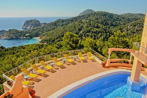 Fabulous villa in Cala Salada - 4 Rooms/Pool...