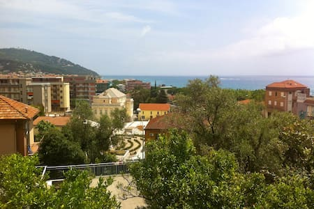 Lovely see view,5min walk to beach! - Marina di Andora