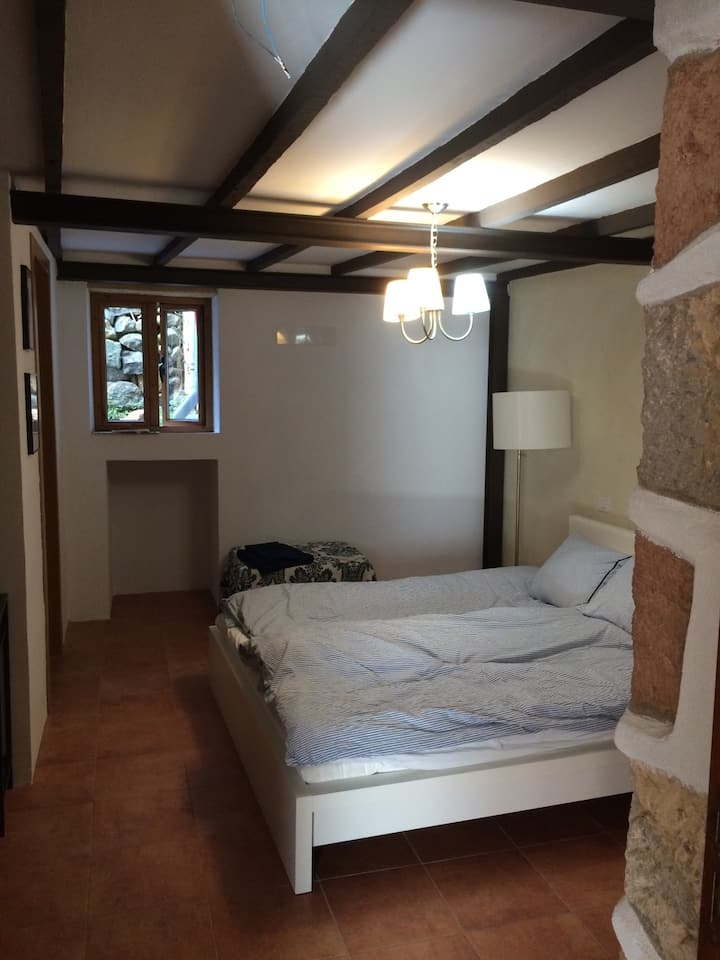 Privat room with its own entrance, center of Teror