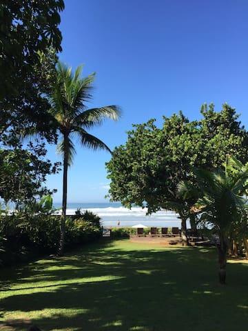 lovely beach front house, pé na areia. -30% ag-set