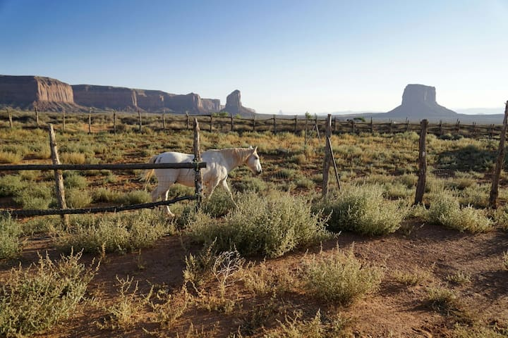 Good site to park and tent - Oljato-Monument Valley - Karavan