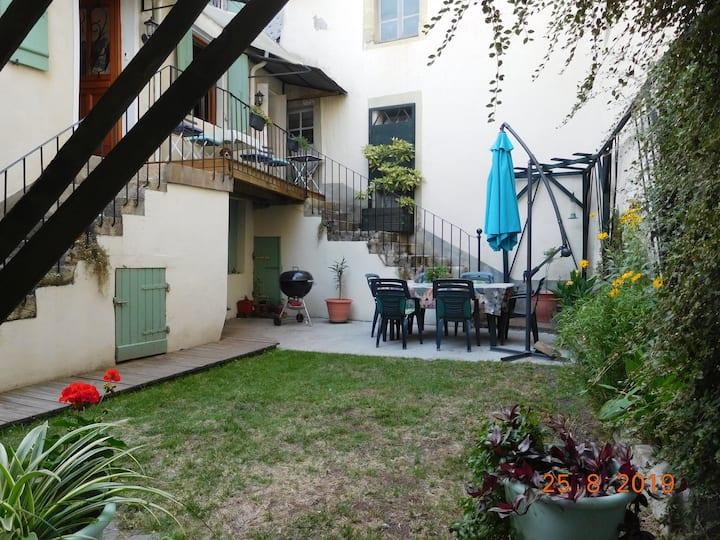 Charming 3 bedroom house with secluded garden