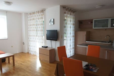 Nice appartment in Punat close to the beach - Punat - Wohnung