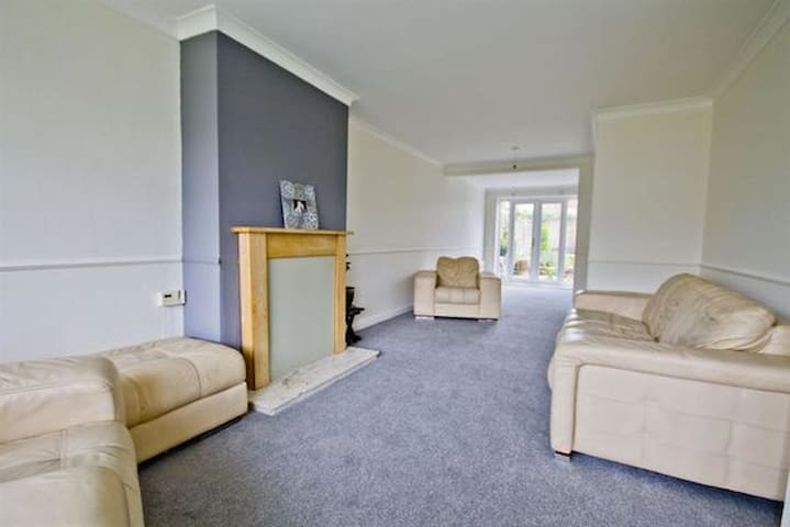 Lovely house in quiet and pretty neighbourhood - Stockton-on-Tees - House