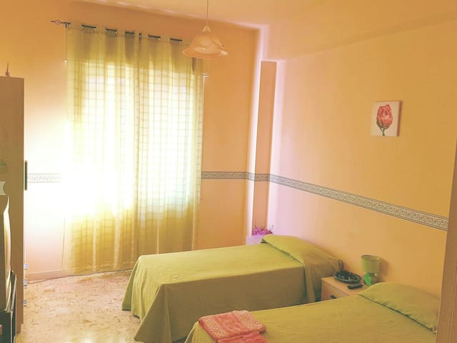 double nice room tv/wifi/breakfast - Reggio Calabria - Appartement