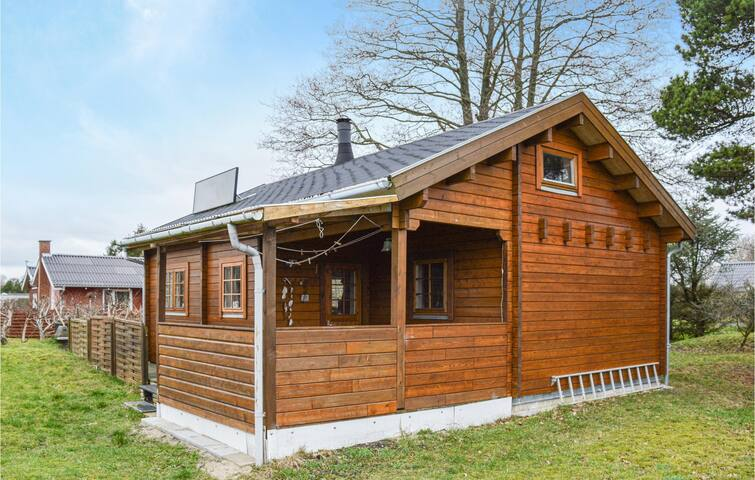 Holiday cottage with 1 bedroom on 46m² in Hadsund