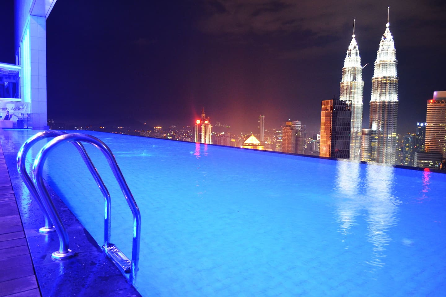 Stunning KL City view from Infinity Pool
