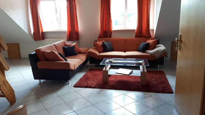 Hermannshöhe Holiday Apartment 6 with shared terrace and garden & Wi-Fi; Parking Available