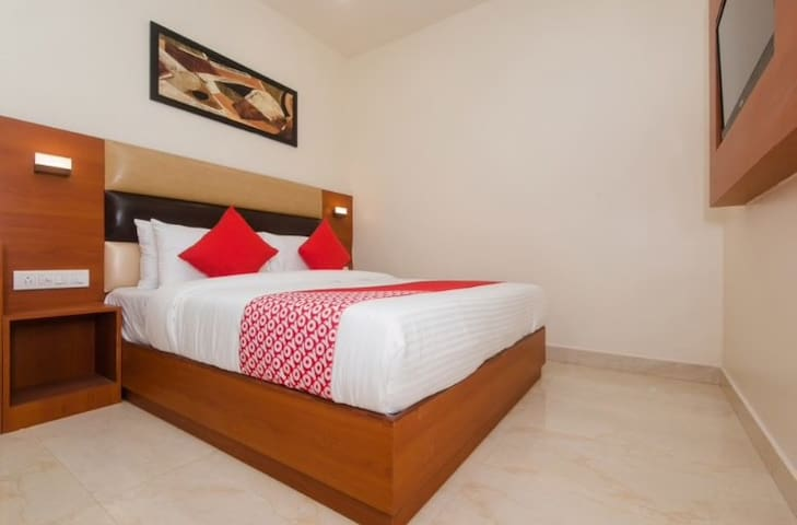 Budget stay @ Andheri East, Near Exhibition Center