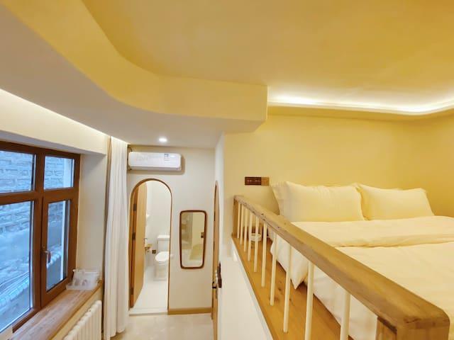 星海复古设计复式大床房 loft