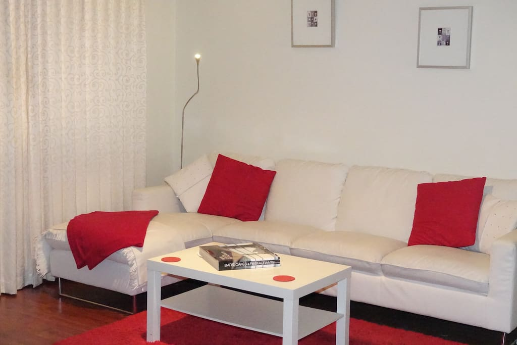 3 seater chaise lounge.