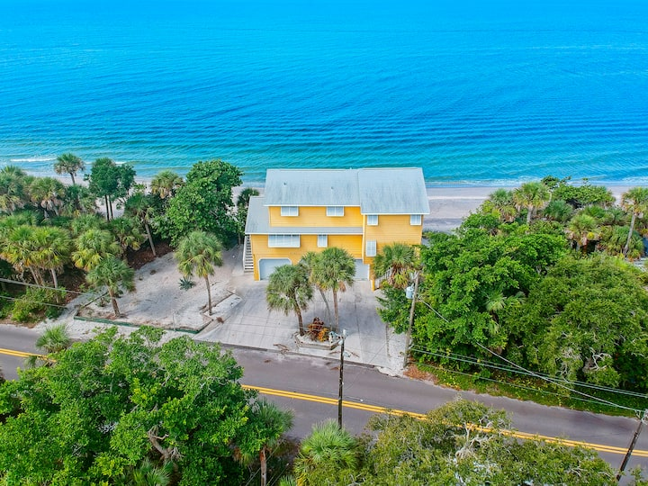 Private Beachfront Home W/ Stunning Views of Gulf